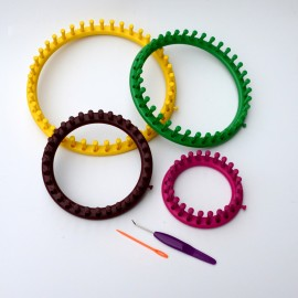 Set circular looms
